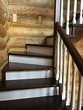Косоурная деревянная лестница