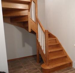 Красивая двухцветная лестница , сдел