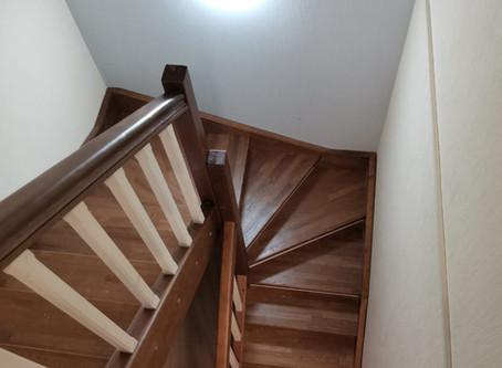 Лестница компактная надежная и безопасная