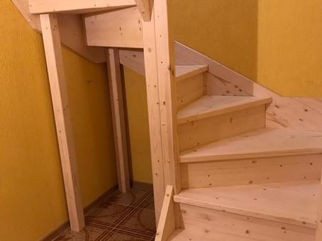 П-образная Сосновая лестница без покраски