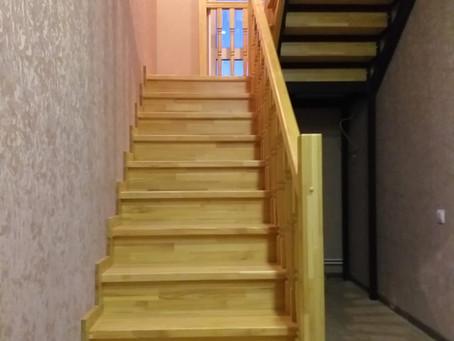 П-образная лестница , облицовка деревом металлокаркаса