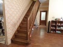 Тетивная деревянная лестница