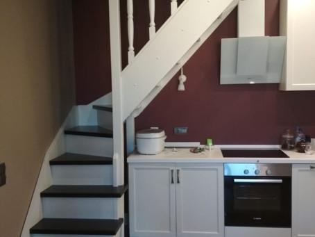 Г-образная лестница. Типовая лестница с разворотом на 90 градусов с забежными ступенями