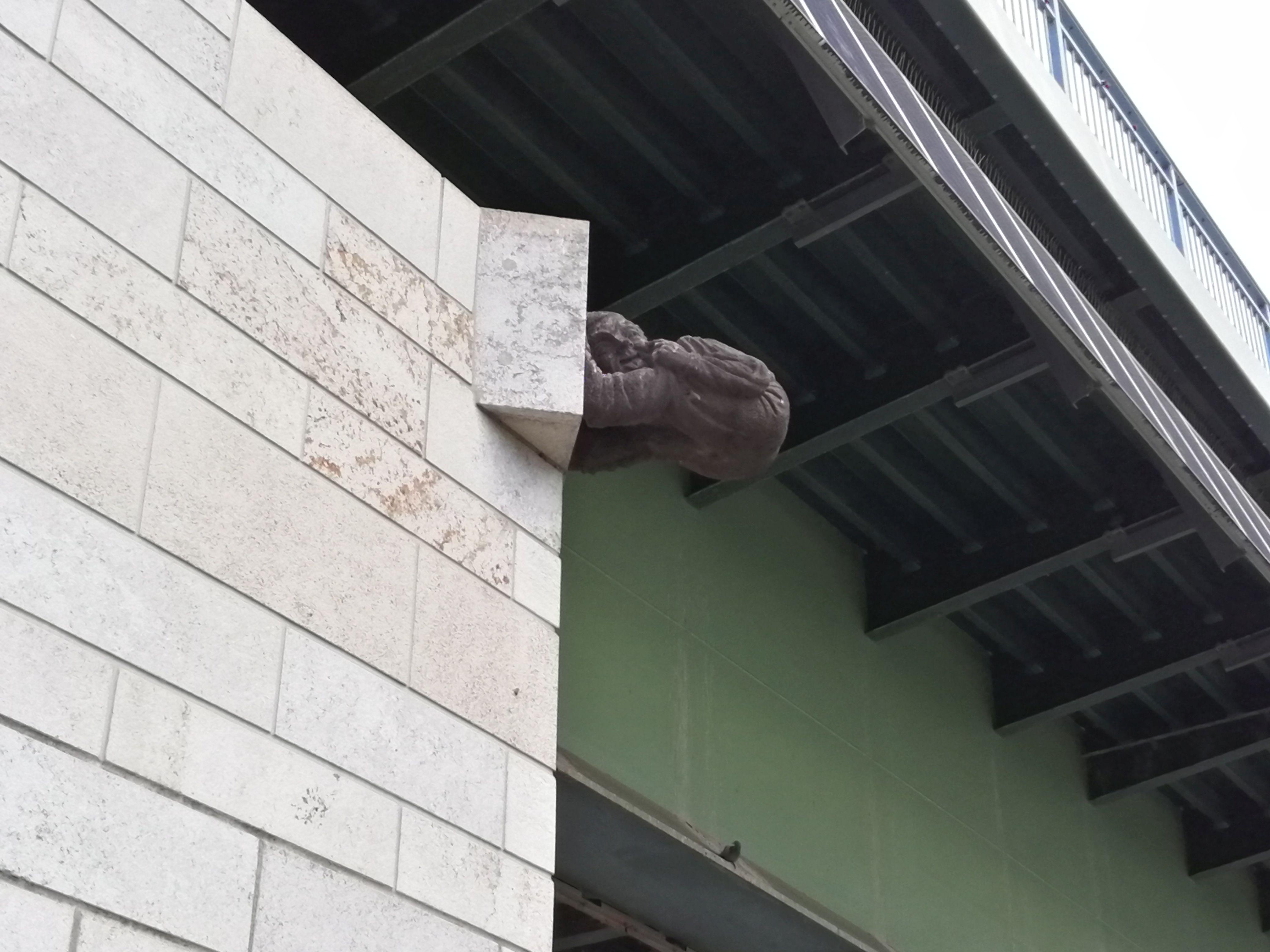 Bröckemännche_Kennedybrücke