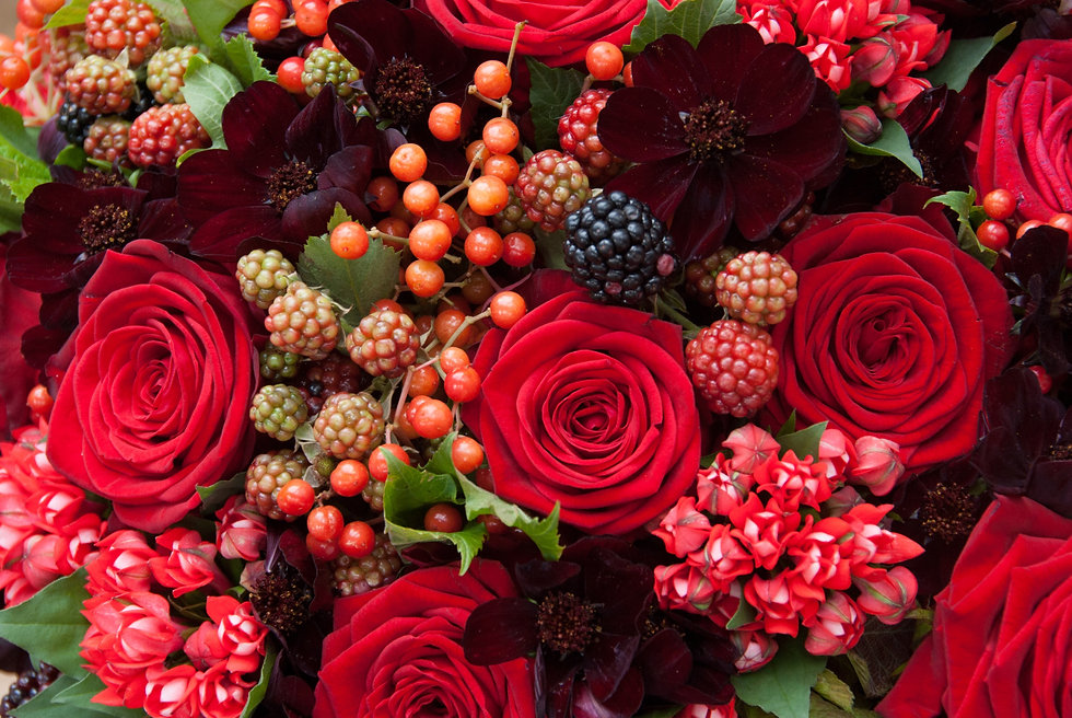 Red-Naomi-bouquets-by-Ivvo-Markou-1.jpg
