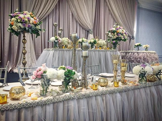 Head table complete! #anthiflowers