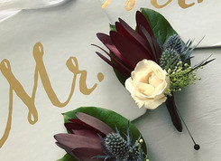 👬 #wedding #NYE #anthiflowers