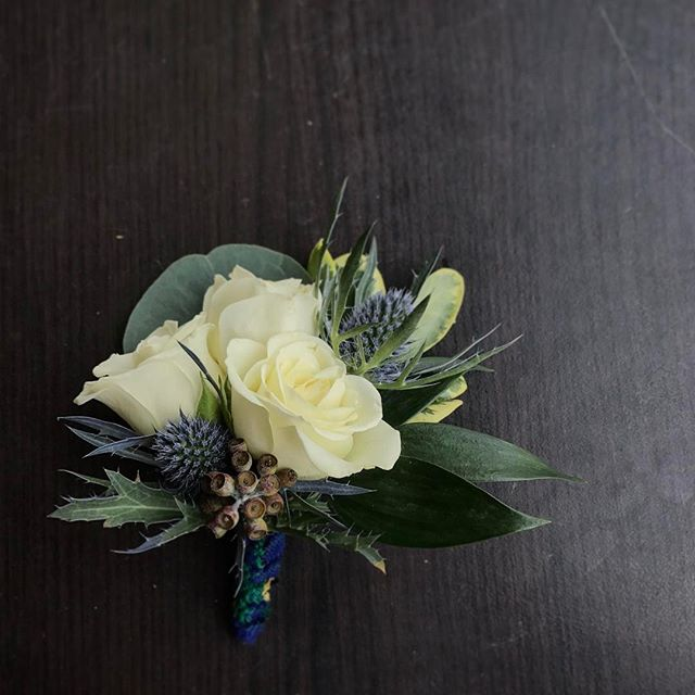 #boutonniere #flowers #wedding #floral #anthiflowers