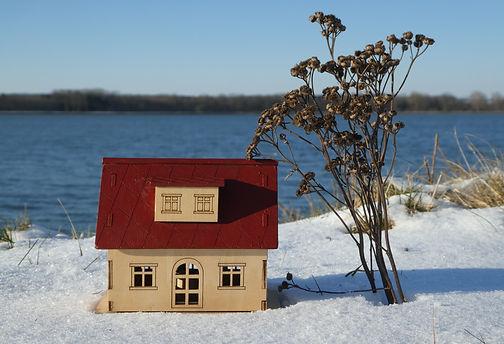 Häuschen am See.JPG