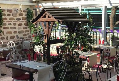 patio a l étage ensoleillé,la casa del joker argeles sur mer,tapas,traditionnel,pizza