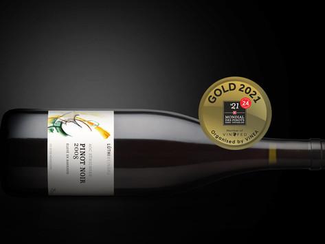 Mondial des Pinots 2021: Unser Pinot Noir Barrique wird mit Gold ausgezeichnet.