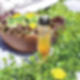 ドレッシングとサラダ (1).jpg