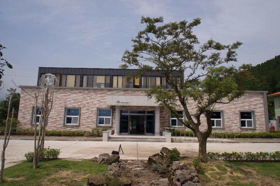 main building 1