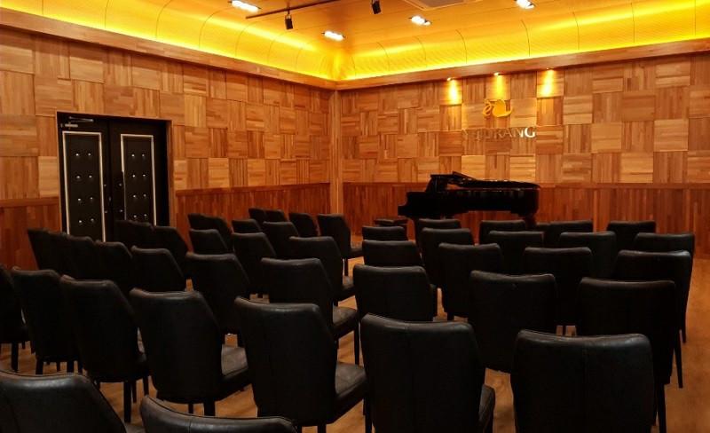 concert hall 2