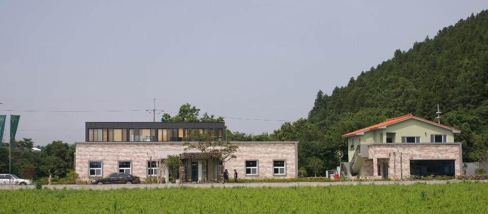 main building 2