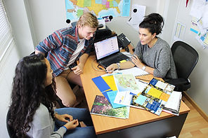 ES Interntational School guidance unversity placement