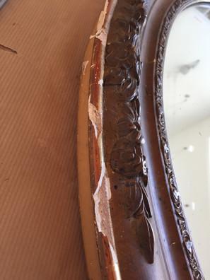 Cadre ovale avant restauration, moulure abîmée