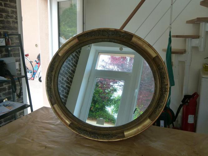 Cadre ovale après restauration