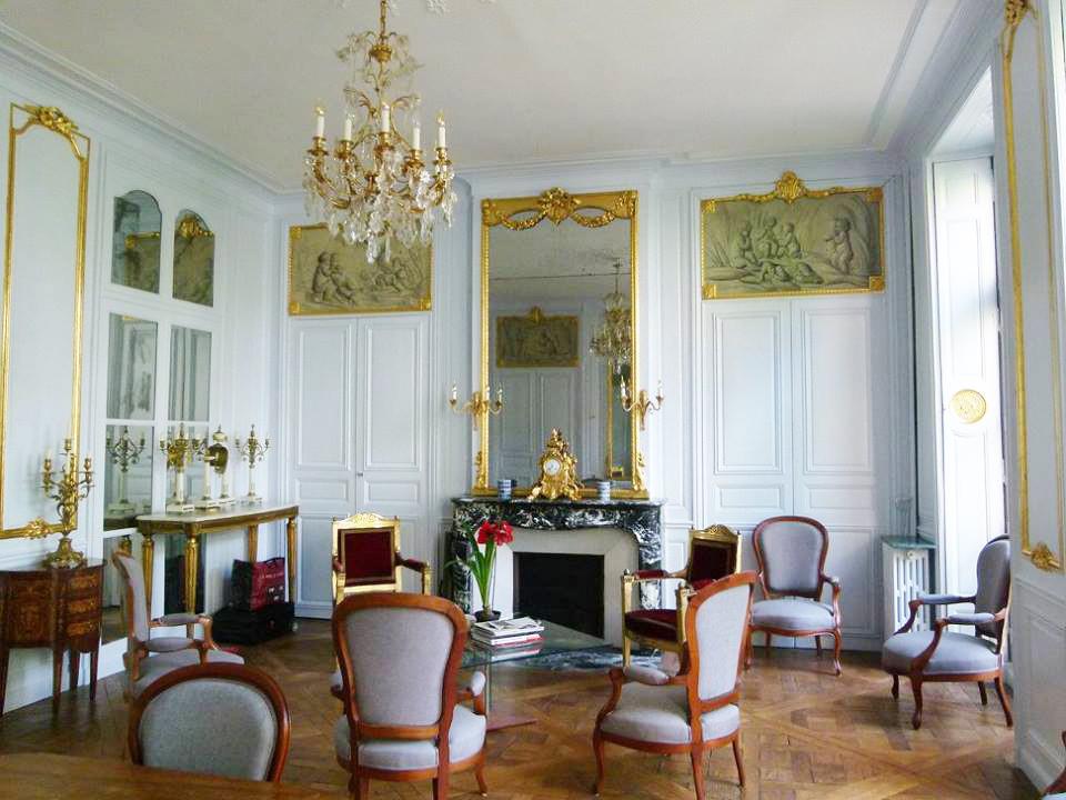 Presbytère St Paul St Louis Paris : restauration des boiserires dorés du grand salon Condé