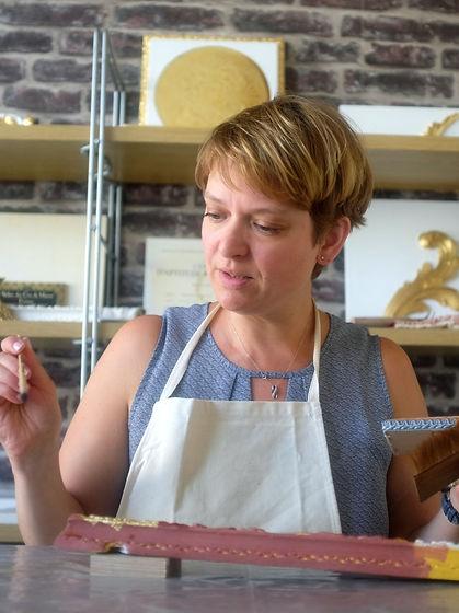 Anne Rebière Decubber Atelier des ors de Marne doreuse sur bois
