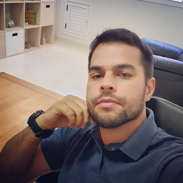 Dr Diogo Soares.jpeg