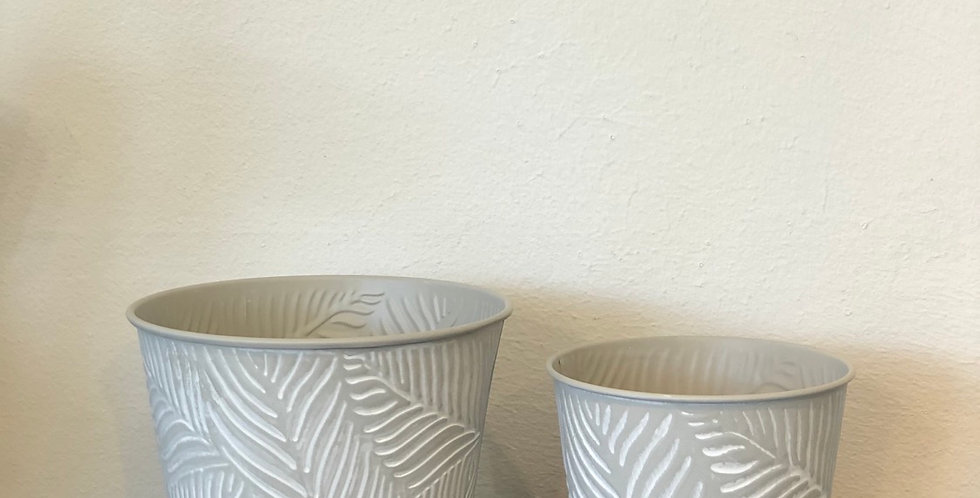 Grey Leaf Pot