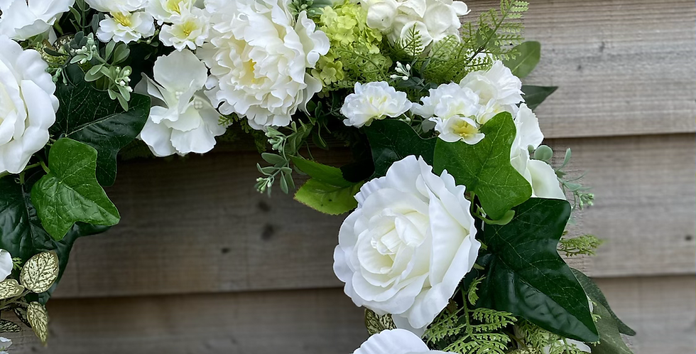 White and Green Silk/Artificial Wreath (Ex Display)