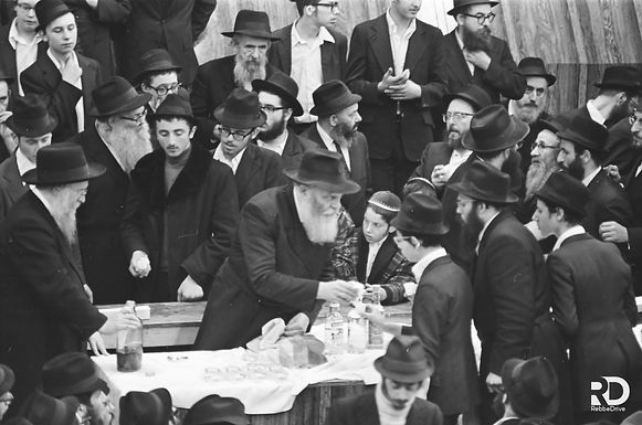 500 New Motzei Simchas Torah Photos