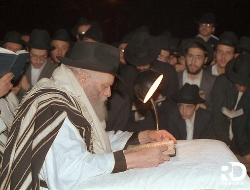 Motzei Yom Kippur with the Rebbe