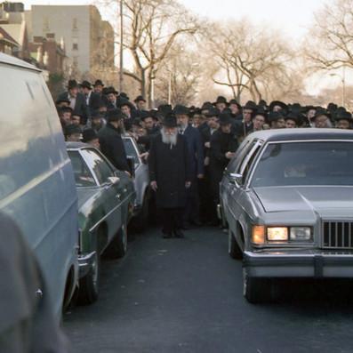 The Rebbe partaking in Dr. Seligson's Levaya