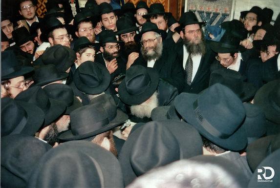 Gallery: Yud Alef Nissan Bracha to the Rebbe