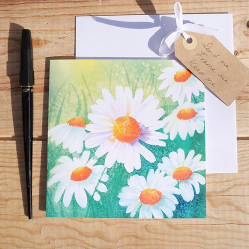 Daisies luxury gift card are blank inside, suitable for any occasion.