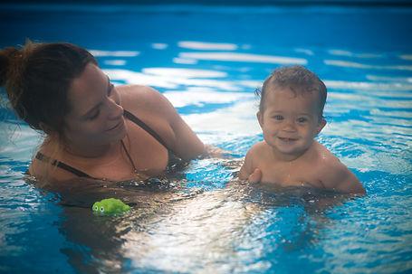 bébé nageur,psychomotricité aquatique,piscine