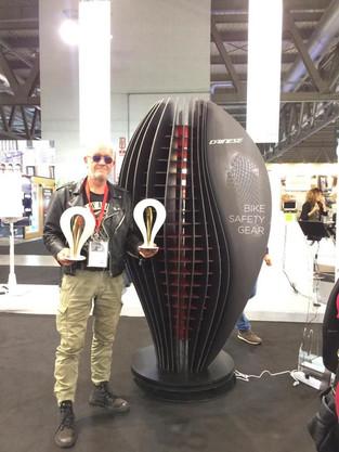 Display creato per Dainese. Viscom DIVA 2018. Vincitore del Gold Award.  Design Marco Maggioni  Display created for Dainese. Viscom DIVA 2018. Winner of Gold Award.  Design Marco Maggioni