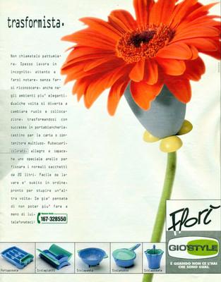 Pattumiera/portaoggetti Florì per Gio'Style. Pubblicità sulle maggiori riviste.  Design Marco Maggioni, 1996  Florì Bin/container for Gio'Style. Advertising page.  Design Marco Maggioni, 1996