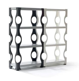 C-Frame, scaffale in metallo prodotti da Domestik.  Design Marco Maggioni, 2007  C-Frame, metal book shelf produced by Domestik.  Design Marco Maggioni,  2007