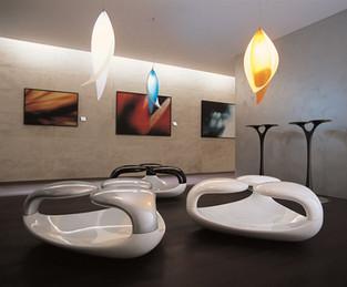 Seduta Zahra e lampade a sospensione Kalla, prodotte da Odue Concept by Oasis.  Design by marco Maggioni, 2006  Zahra seat and Kalla suspension lamps, produced by Odue Concept by Oasis.  Design by marco Maggioni, 2006