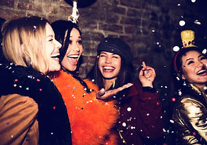 Mädchen feiern