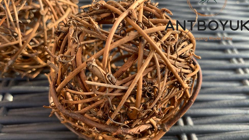 Natural nesting ball (8cm)
