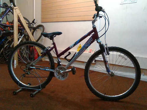 RALEIGH MANTIS 26 INCH WHEEL PURPLE/SILVER FRONT SUS 18 SPEED GOOD CONDITION