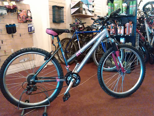 RALEIGH AT10 26 INCH WHEEL FRONT SUS 21 SPEED ALLOY LILAC/GREY VERY GOOD CON
