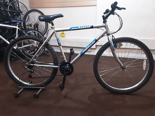 TERRAIN ASCENT 26 INCH WHEEL SILVER 18 SPEED GOOD CONDITION