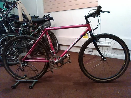 CLAUD BUTLER SPECTRE 500LX 26 INCH WHEELS 14 SPEED PINK/BLACK GOOD CONDITION