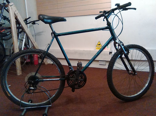 RALEIGH ACTIVATOR 26 INCH WHEELS GREEN/BLACK 21 SPEED FRONT SUS GOOD CONDITION