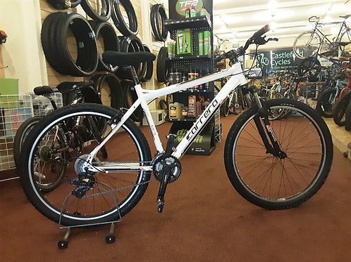 CARRERA VALOUR 27.5 INCH WHEELS 21 SPEED ALLOY WHITE FRONT SUS GOOD CONDITION