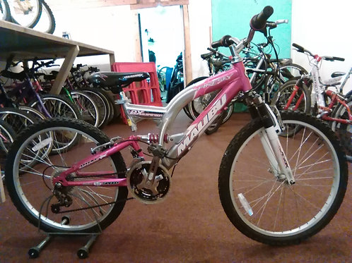 MALIBU FIRESKY 24 INCH WHEELS 15 SPEED ALLOY FULL SUS PINK/SILVER GOOD CONDITION