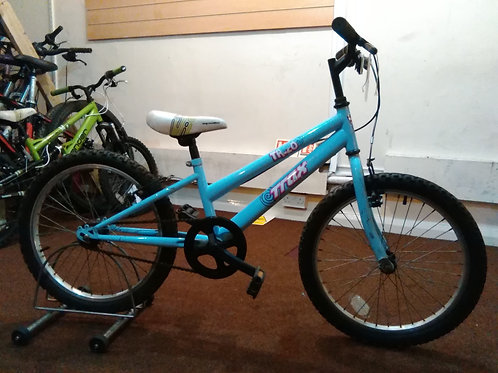 BOYS/GIRLS TRAX TR.20 BLUE 20 INCH WHEELS OK CONDITION