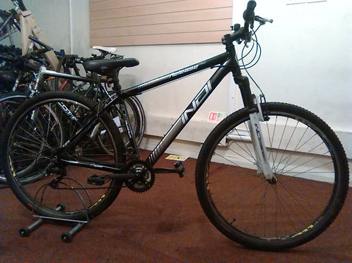 INDI RELEASE 29ER BLACK/WHITE 29ER WHEELS 18 SPEED FRONT SUS GOOD CONDITION