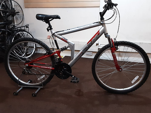 APOLLO FS26 26 INCH WHEEL FULL SUS SILVER/RED 18 SPEED VERY GOOD CONDITION