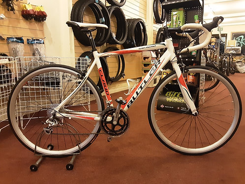 CLAUD BUTLER SAN REMO 700C ROAD BIKE WHITE 16 SPEED ALLOY VERY GOOD CONDITION